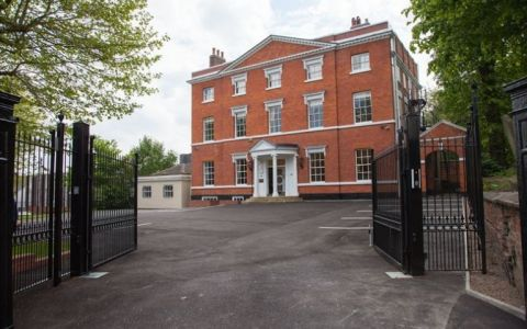 Serviced Offices Castle Hill , West Midlands