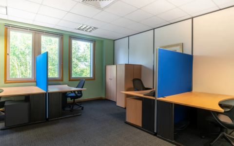 Pictures of offices in Heathrow, UB7 0EB
