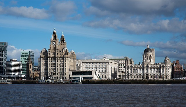 liverpool river buidings
